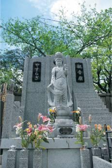 永代供養墓を申込む人はどんな人が多いのですか?
