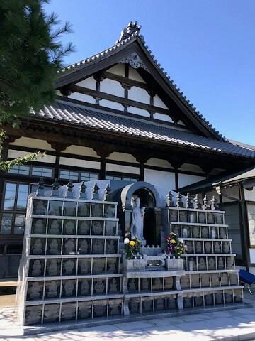 西浄寺永代供養墓「やすらぎ」