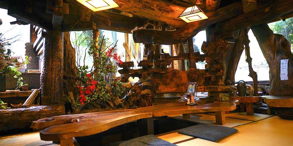隠れ家感満載!鰻と鳥料理が絶品の「うなぎ 鳥善」