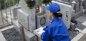 お墓参り代行サービスとは?詳細や料金についてご紹介します