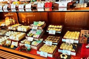 """一番人気!""""日本百銘菓にも選ばれた「十万石まんじゅう」"""""""